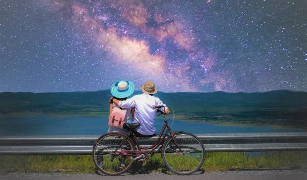 Un giro in bici sotto le stelle